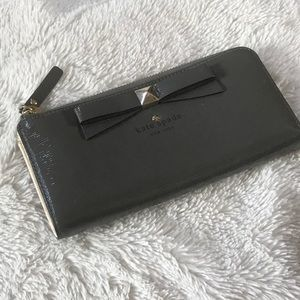 ♠️ Kate Spade Beacon Court leather wallet ♠️
